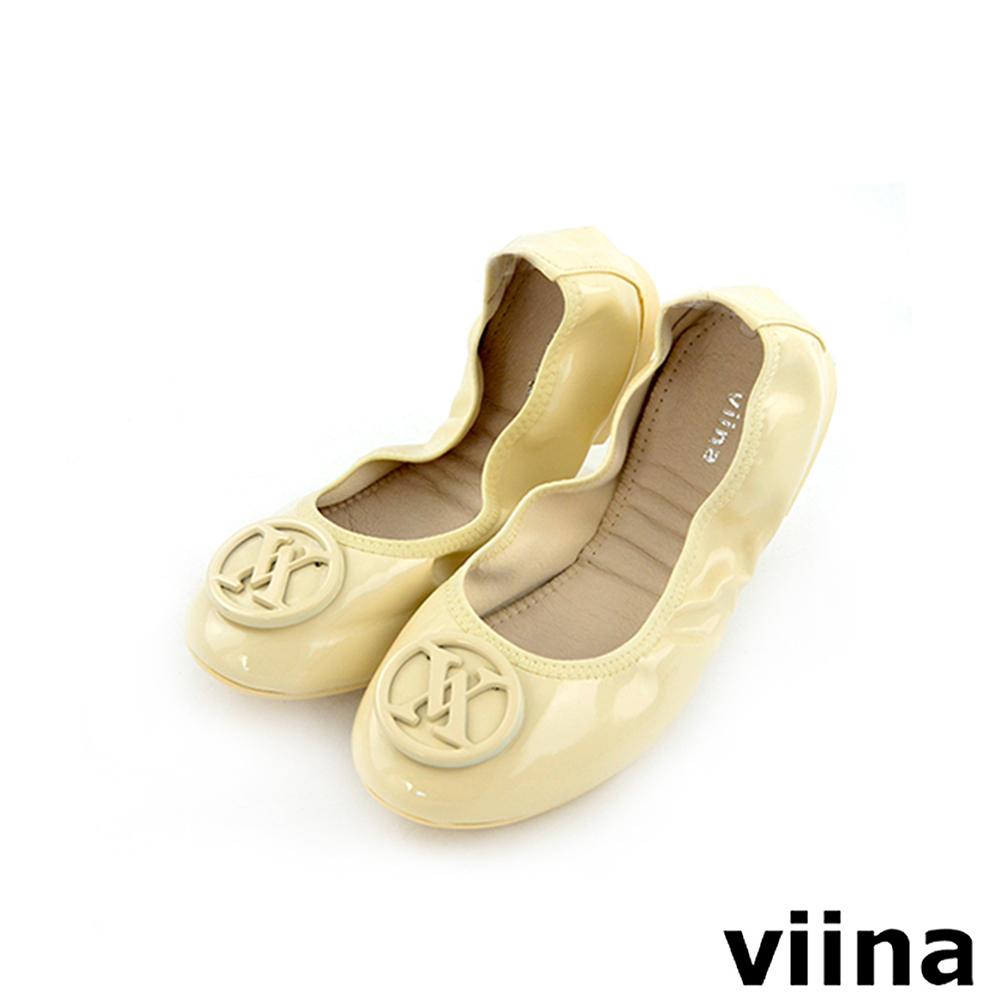 viina 經典款烤漆扣摺疊鞋MIT-米白色
