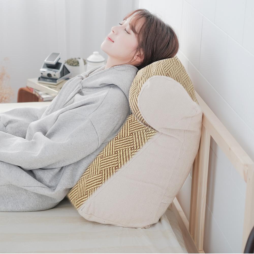 凱蕾絲帝-台灣製造-涼爽紙纖多功能含枕護膝抬腿枕/加高三角靠墊-米色(1入)