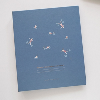Dailylike 三孔活頁自黏式相本V3-08游泳健將