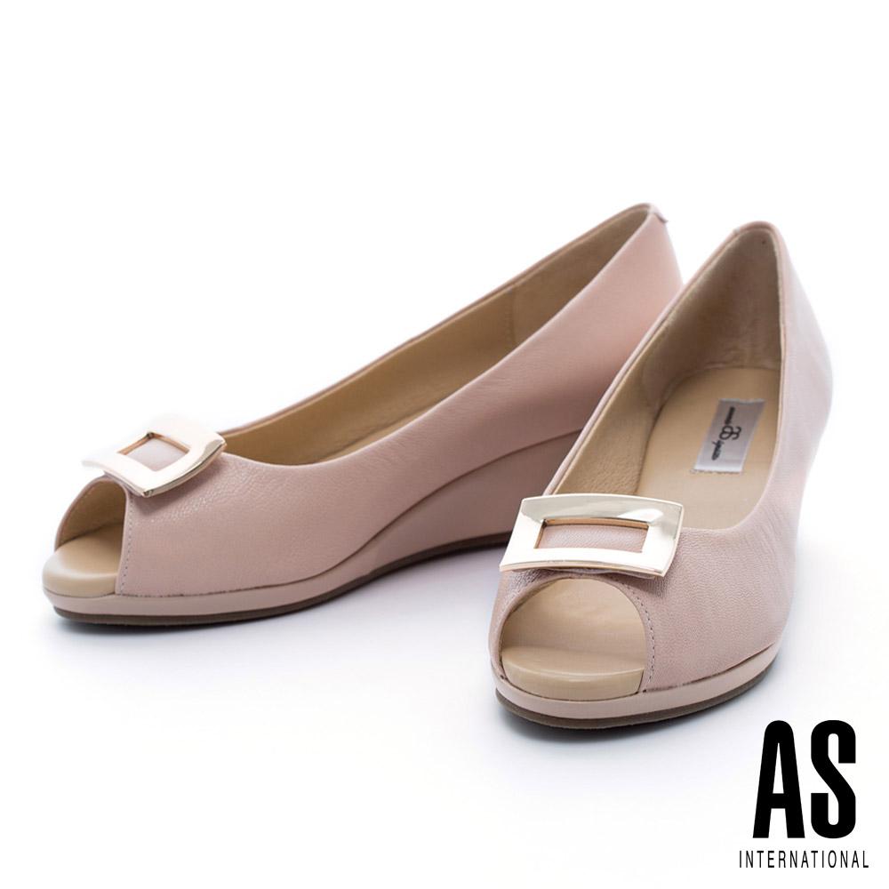 AS 金屬方釦典雅羊皮魚口楔型鞋-粉