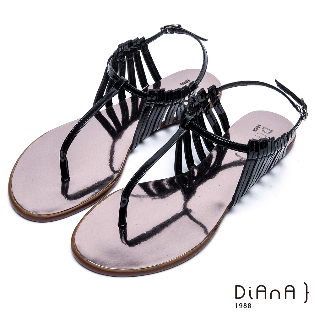 DIANA 摩登時尚--層次細帶線條T字夾腳涼鞋 –黑
