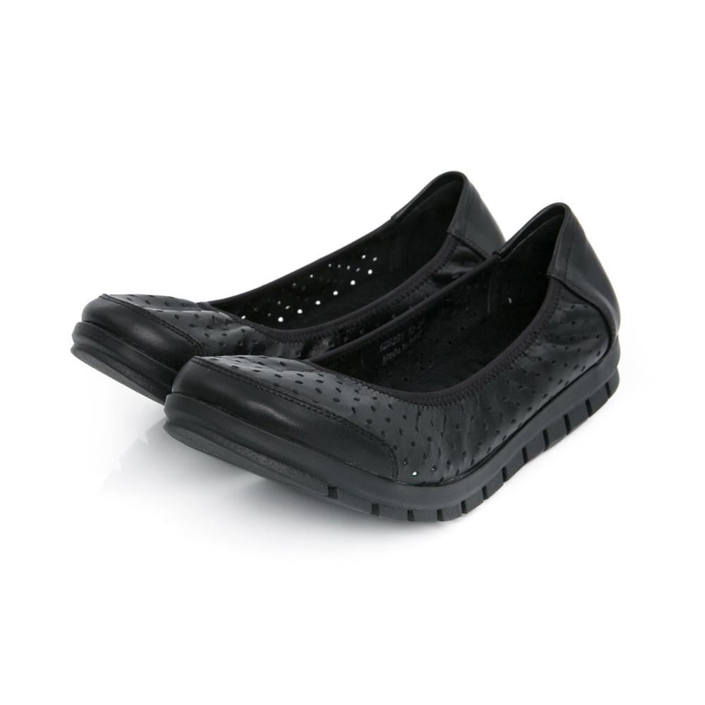 TAS 素面洞洞柔軟牛皮平底鞋-百搭黑