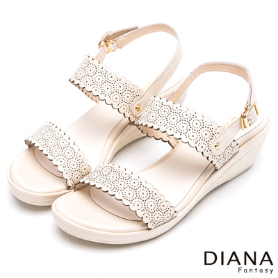DIANA 藝術民族--細膩雕花蕾絲圖騰真皮楔型涼鞋-米