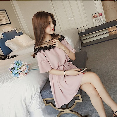中大尺碼蕾絲鏤空金線網紗拼接附腰帶洋裝L~4L-Ballet Dolly