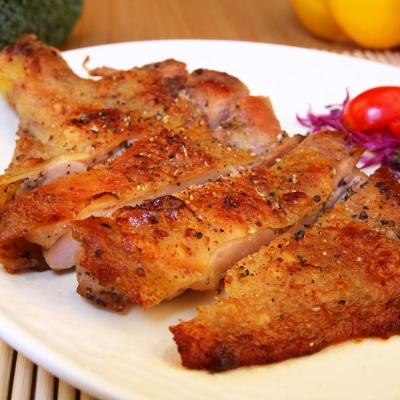 海鮮王 黑胡椒無骨嫩雞腿排 * 1 片組 ( 230 g± 10 %片) (任選)