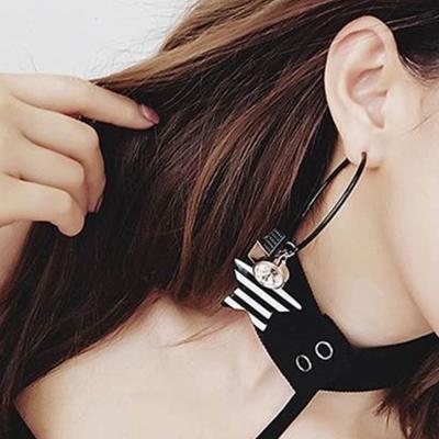 梨花HaNA 法國女人經典黑白色條紋星星不對稱耳環