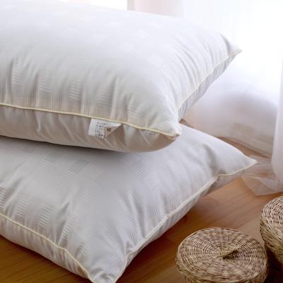 絲薇諾 竹炭羊毛柔軟枕