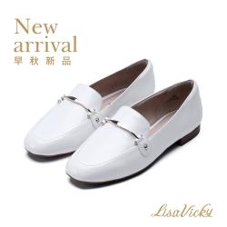 LisaVicky 時尚摩登休閒小方頭金屬釦穆勒平底鞋-白色