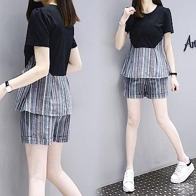 中大尺碼 黑色拼接灰條紋收腰上衣加條紋短褲套XL~4L-Ballet Dolly