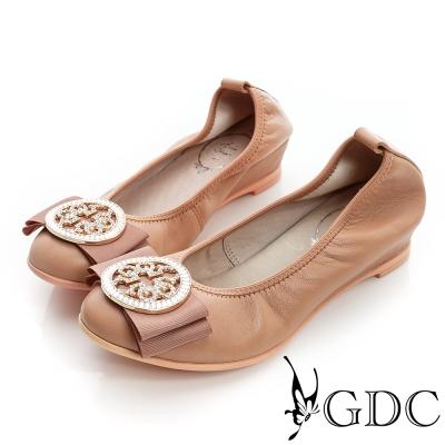 Arus百搭-蝴蝶水鑽圓飾扣彈性真皮平底娃娃鞋-粉色