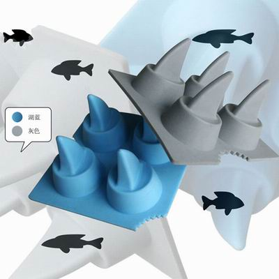 iSFun 瘋狂白鯊 矽膠模型製冰盒 隨機色