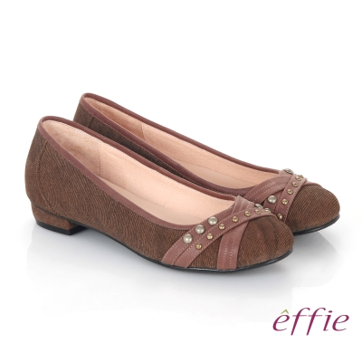 effie 都會休閒 絨面牛皮飾帶金屬扣飾平底鞋 咖啡色