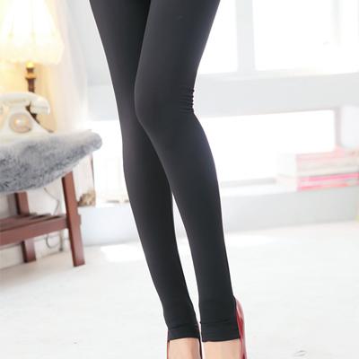 【La Belleza】內刷毛厚棉素色百搭踩腳褲