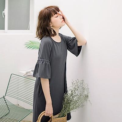 純色美背設計喇叭袖洋裝-OB大尺碼
