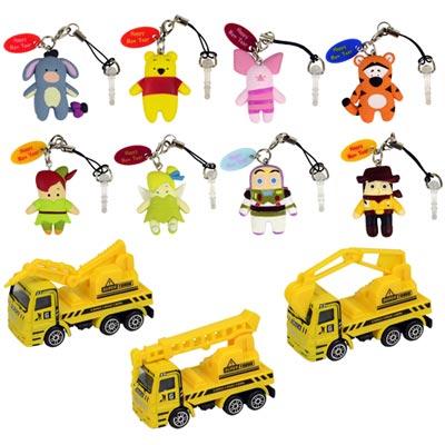 《迪士尼系列》Q版卡通主角吊飾+防塵塞8入組 加送3款工程車