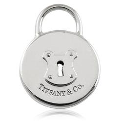 TIFFANY&Co. T&Co 字樣圓形鎖純銀墜飾