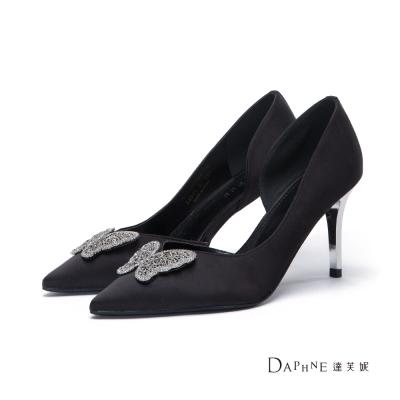 達芙妮DAPHNE 高跟鞋-縷空蝴蝶緞面尖頭鞋-黑