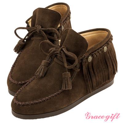 麂皮銅釦流蘇內增高綁帶短靴-咖