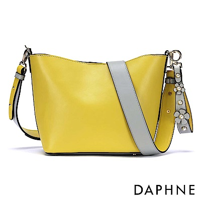 達芙妮DAPHNE-雙色珠飾花朵手提側背兩用包-黃