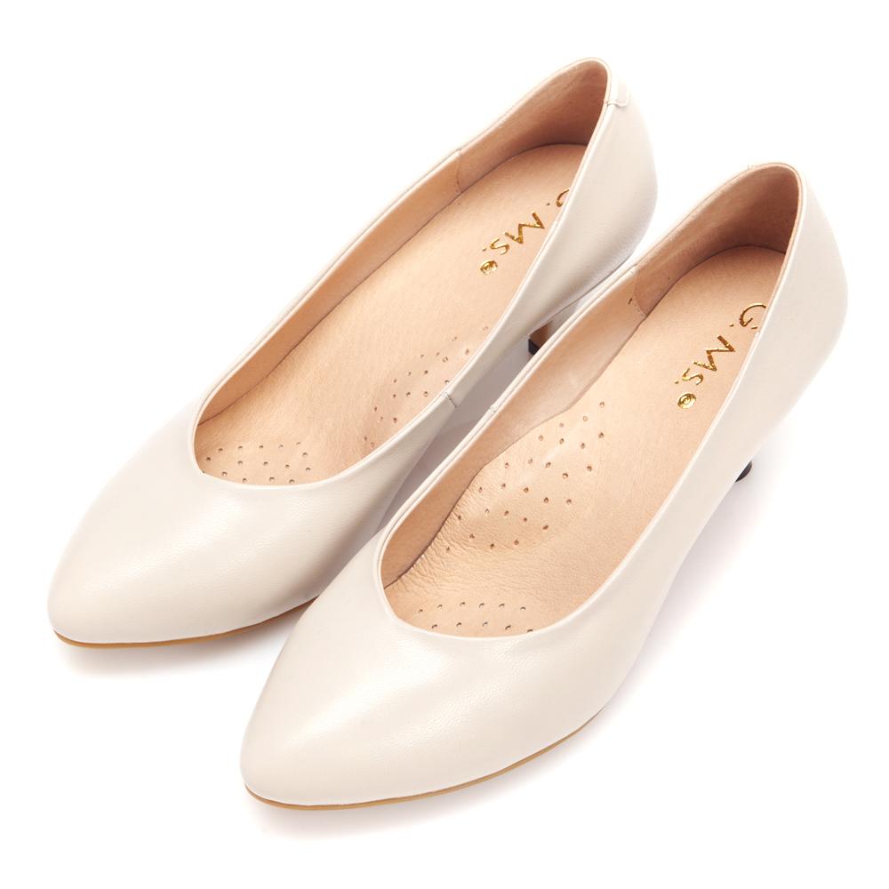 G.Ms.  絕對定番-全真皮尖頭雙窩心素面靜音跟鞋-米白
