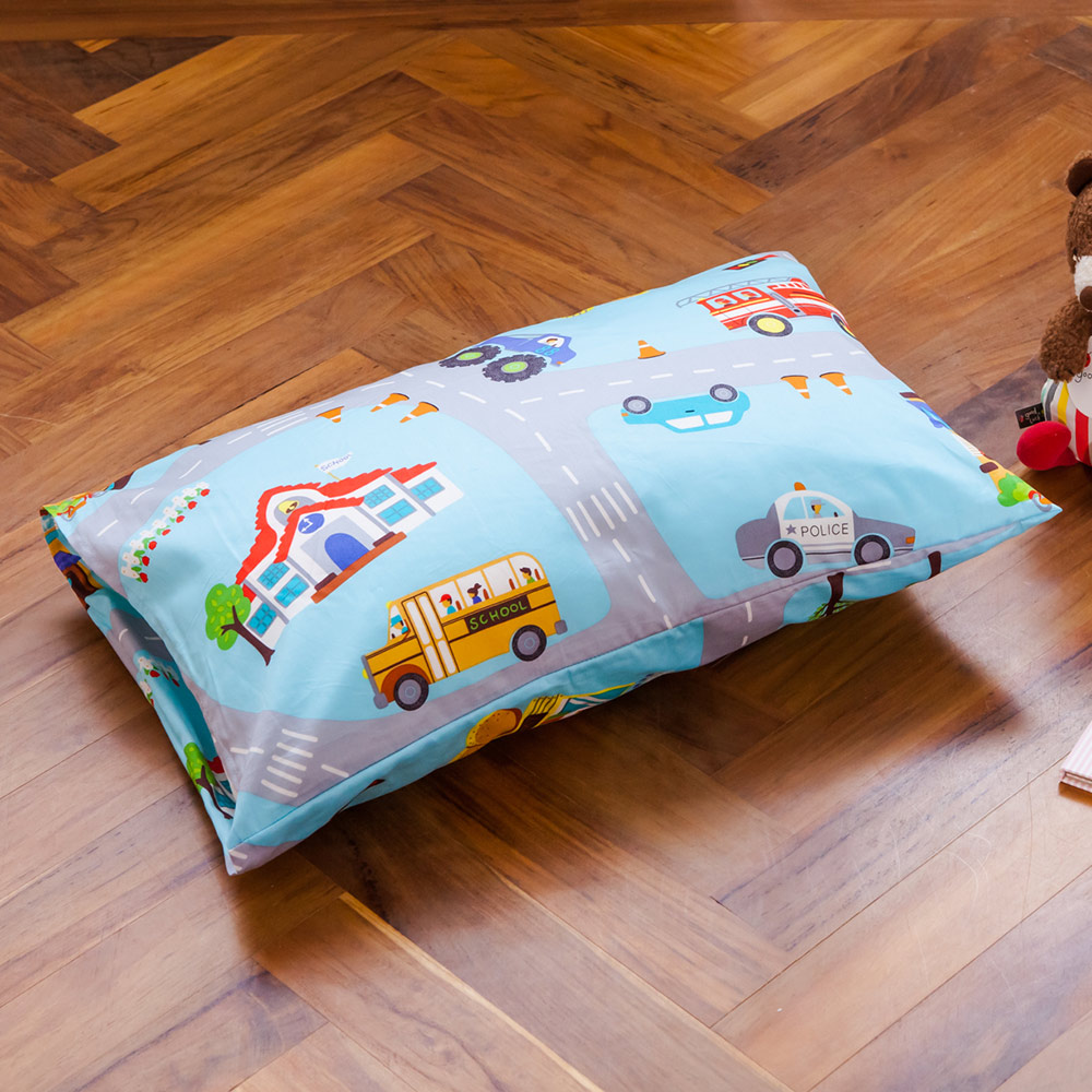 鴻宇HongYew 美國棉防蹣抗菌 交通樂園-兒童透氣多孔纖維枕