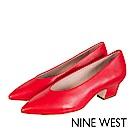 NINE WEST--全真皮復古V口粗跟高跟鞋-時髦紅