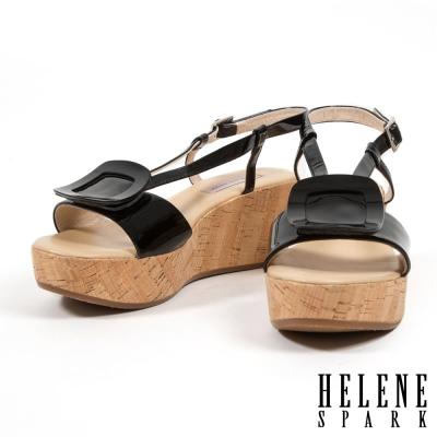 涼鞋 HELENE SPARK 復古度假方釦牛軟漆皮楔型涼鞋-黑