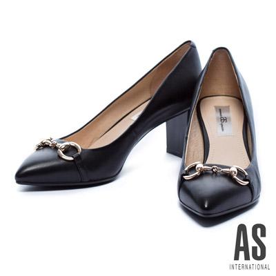 粗跟鞋-AS-金屬釦環羊皮尖頭粗跟鞋-黑