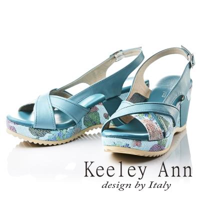 Keeley Ann 春意盎然~印花時尚寬版交叉拼接真皮楔形涼鞋(藍色)