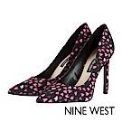 NINE WEST--質感曲線尖頭高跟鞋-甜蜜愛心