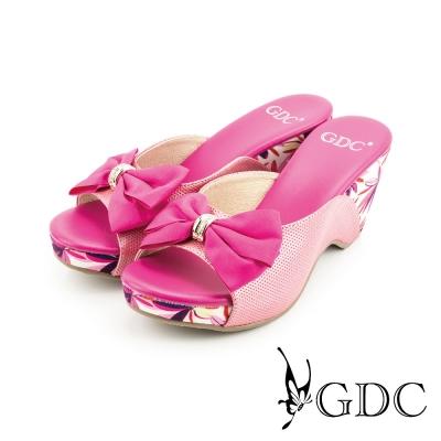 GDC-熱帶風情蝴蝶結飾扣楔型厚底真皮休閒涼拖鞋-桃紅色