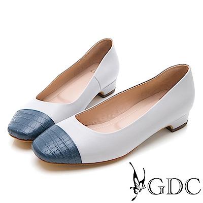 GDC-知性紋路拼接低跟包鞋-灰色