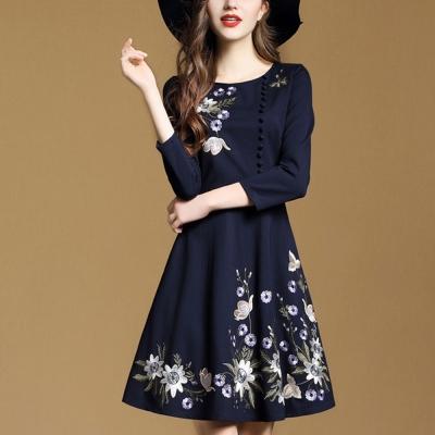 FQ時尚天后 深藍優雅立體刺繡側邊排釦圓裙洋裝(S-2XL)