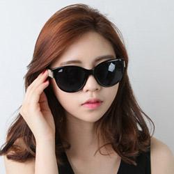 梨花HaNA 香榭時髦小貓眼印花金片太陽眼鏡-雲白腳架