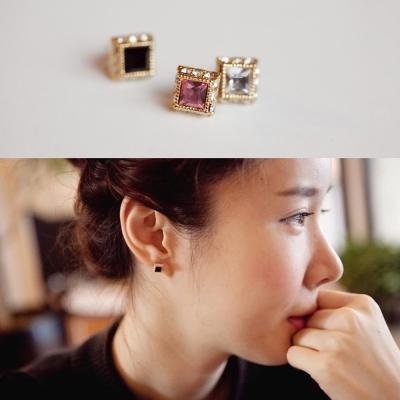 梨花HaNA-韓國簡單風采彩飾寶石嵌鑽夾式耳環-粉