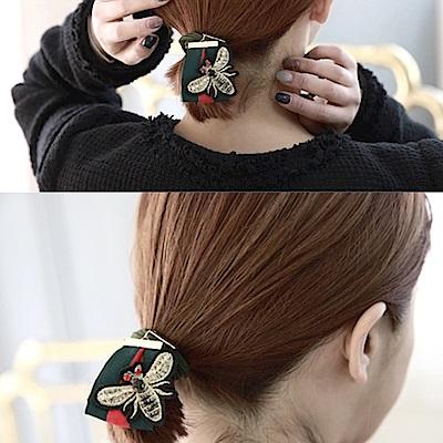 梨花HANA 韓國南大門紅綠蜜蜂緞帶髮圈