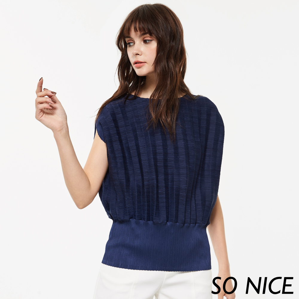 SO NICE質感立體壓褶造型上衣-動態show