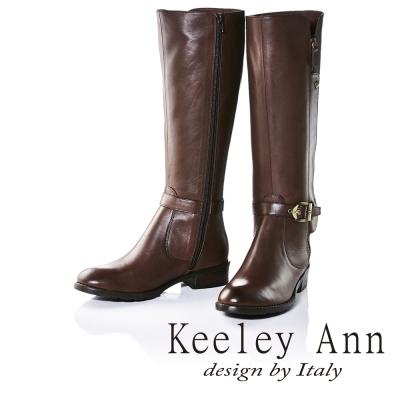 Keeley Ann獨特側拉鍊造型皮帶金屬扣飾低跟長靴(咖啡色)