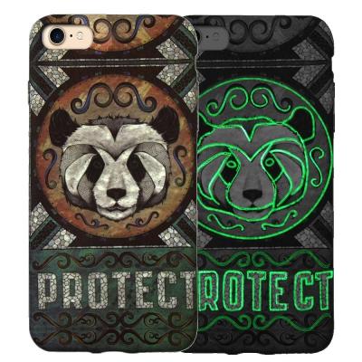 野性的呼喚 iPhone 8/iPhone 7 浮雕夜光彩繪軟式手機殼(熊貓)