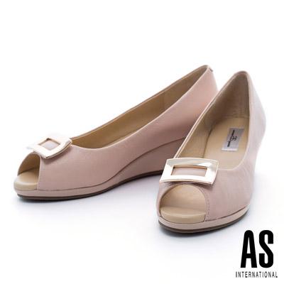 AS-金屬方釦典雅羊皮魚口楔型鞋-粉