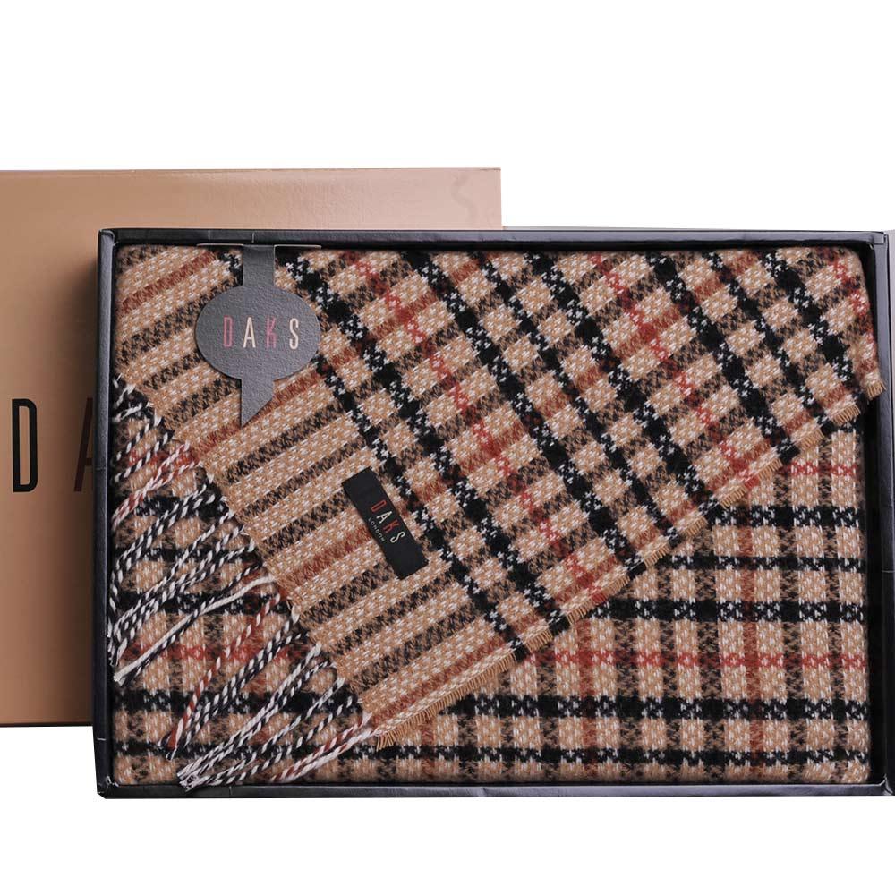 DAKS 經典格紋字母LOGO布標日本製羊毛披肩(卡其)