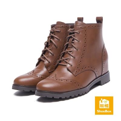 鞋櫃ShoeBox-短靴-皮革感縷空拼接短靴-棕