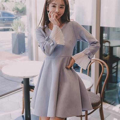 圓領蝴蝶結喇叭長袖洋裝 (天藍色)-Kugi Girl