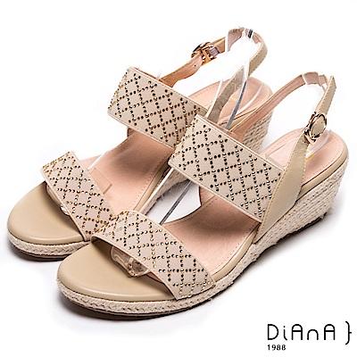 DIANA 仲夏風味--鬆緊繃帶金屬水鑽菱格楔型涼鞋-米