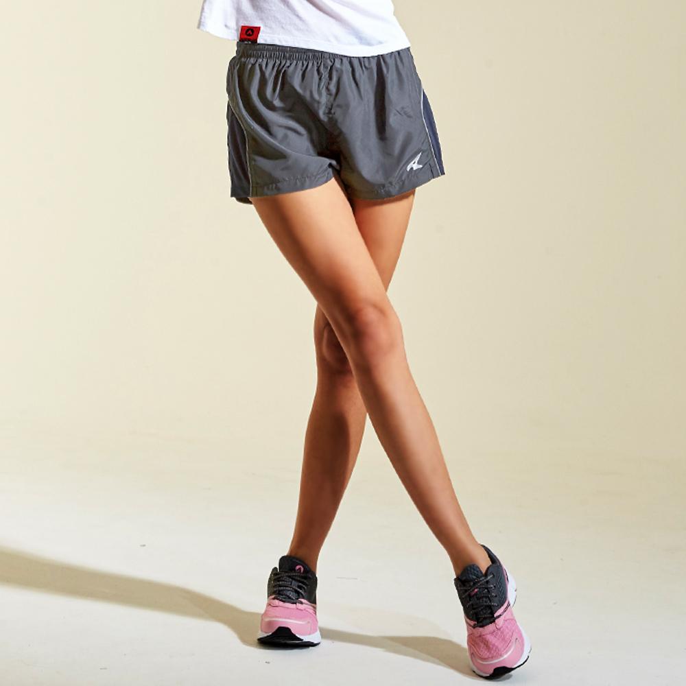【AIRWALK】邊緣弧形設計運動短褲-灰色