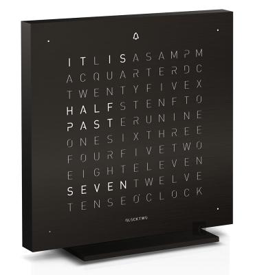 QLOCKTWO Touch 觸碰式鬧鈴精巧文字桌鐘-黑/13.5cm