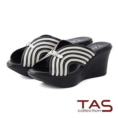TAS-曲線條紋寬繫帶楔型厚底涼拖鞋-實搭黑