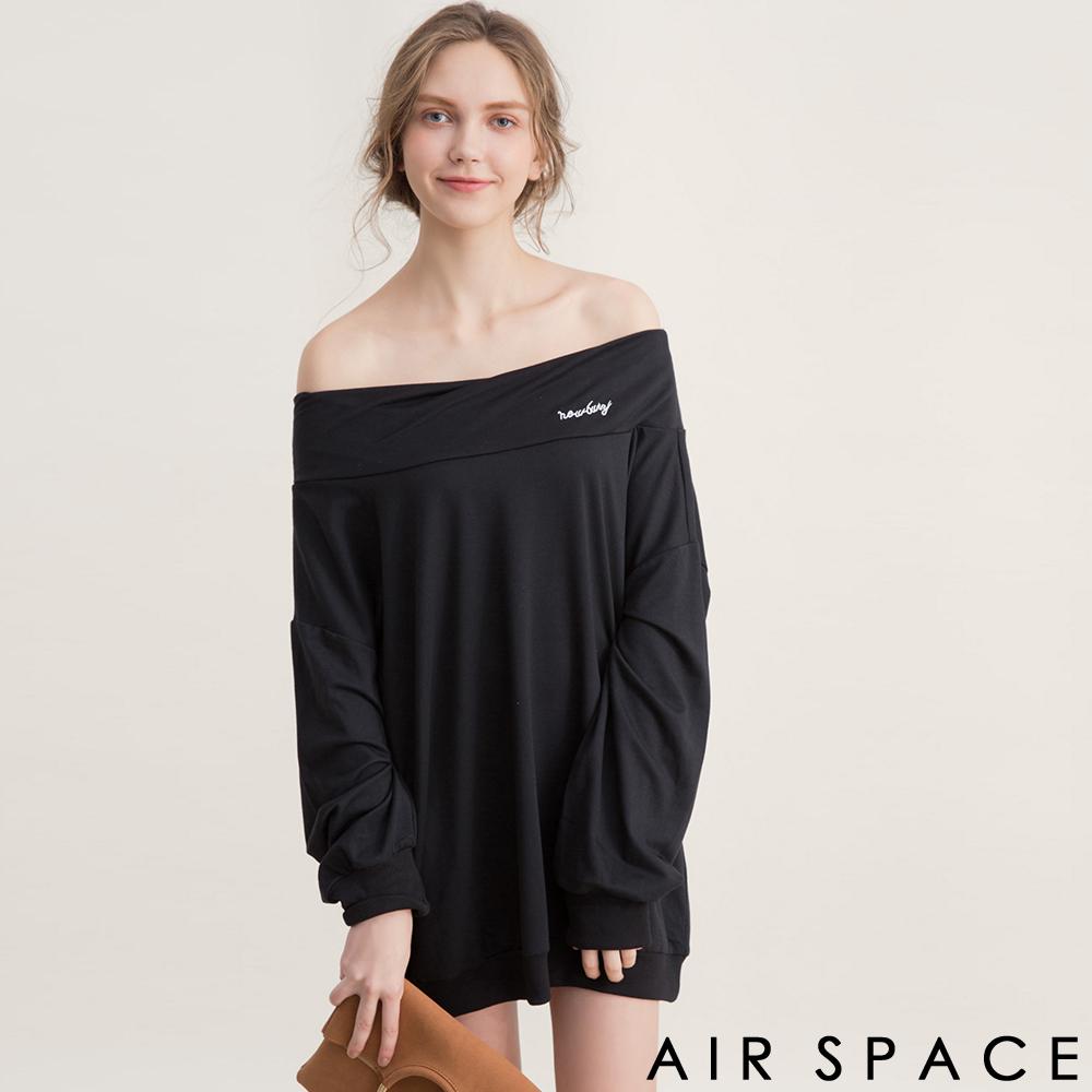AIR SPACE 字母刺繡露肩一字領洋裝(黑)