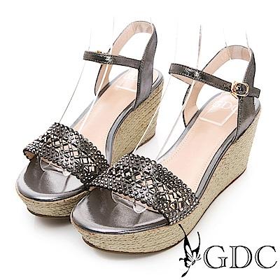 GDC-真皮水鑽簍空氣質波浪草編涼鞋-灰色