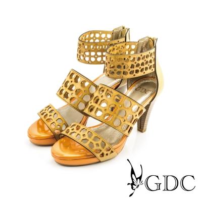GDC-幾何圖形鏤空撞色羅馬粗高跟鞋-駝色